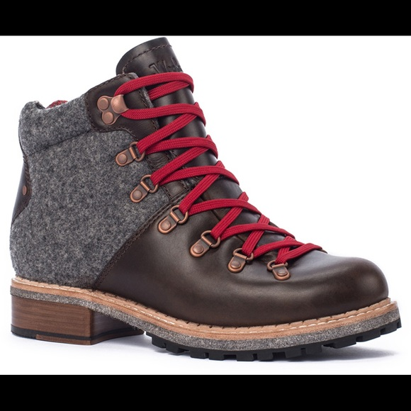 420beacd674 Woolrich Rockies Leather Hiking Boots w/ red laces